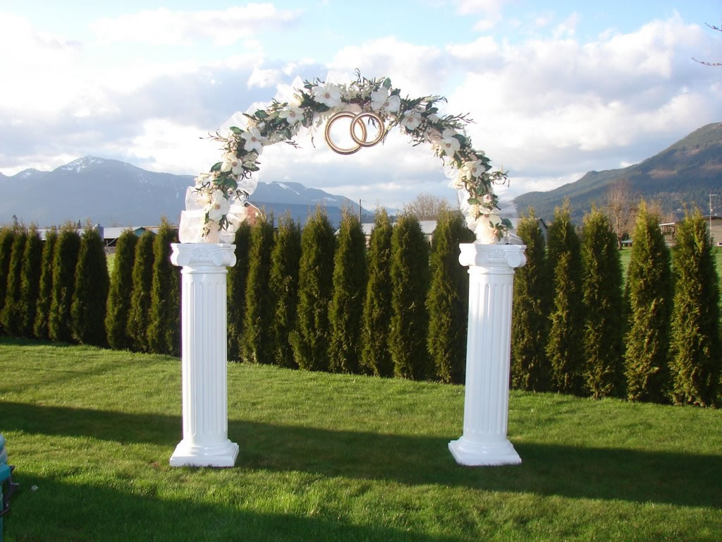 simple guide to wedding arch rental services equipment rental. Black Bedroom Furniture Sets. Home Design Ideas