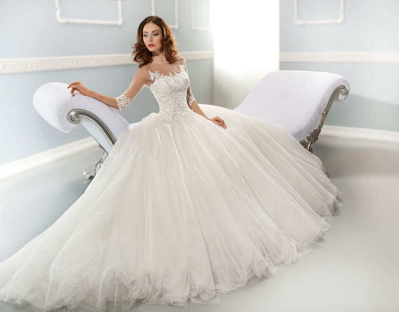 Wedding dress rental services the pros cons equipment for Renting a wedding dress